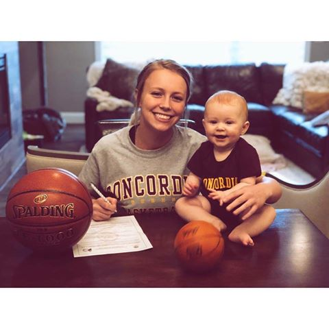 Avery Sundeen with her niece Lavin